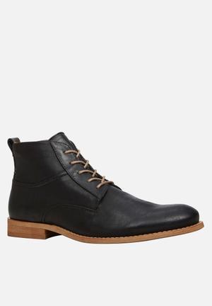 Call It Spring Mezzoius Boots Black