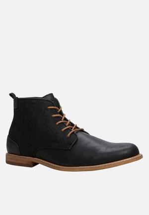 Call It Spring Venya Boots Black