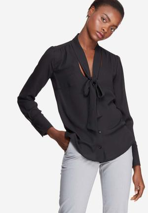 Dailyfriday Kitty Bow Blouse Black