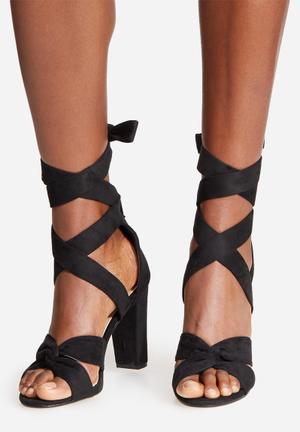 Billini Bandera Heels Black