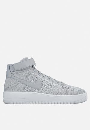 Nike Air Force 1 Ultra Flyknit Mid Sneakers