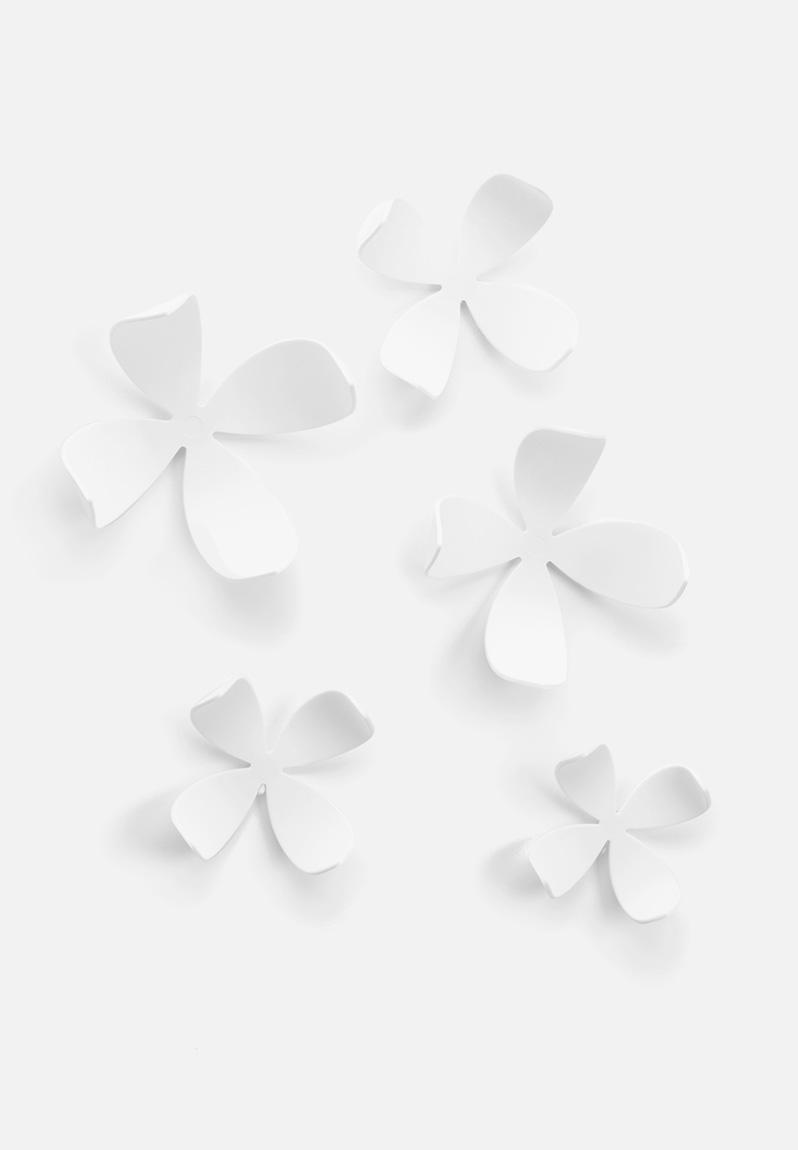 Umbra Wallflower Wall Décor Set Of 25 : Wallflower set of white umbra accessories