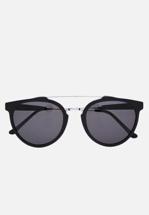Retrosuperfuture Giaguaro Eyewear Black